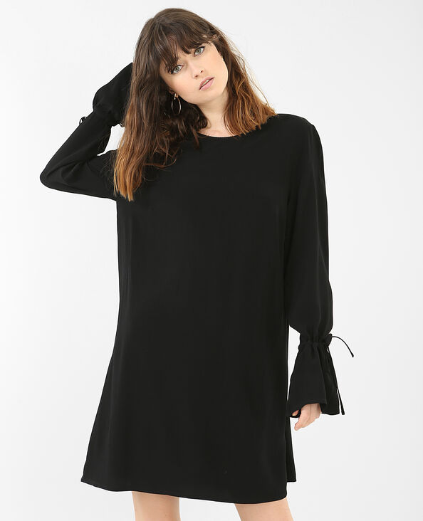 Kleid mit Rüsche an den Ärmeln Schwarz