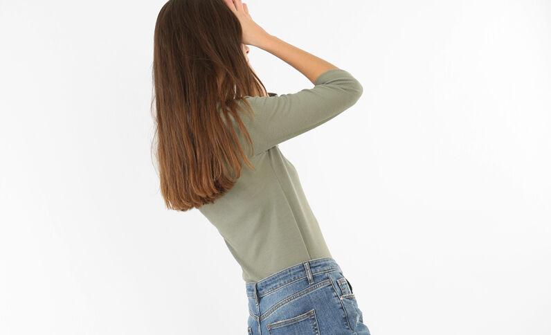 T-shirt encolure lacet vert