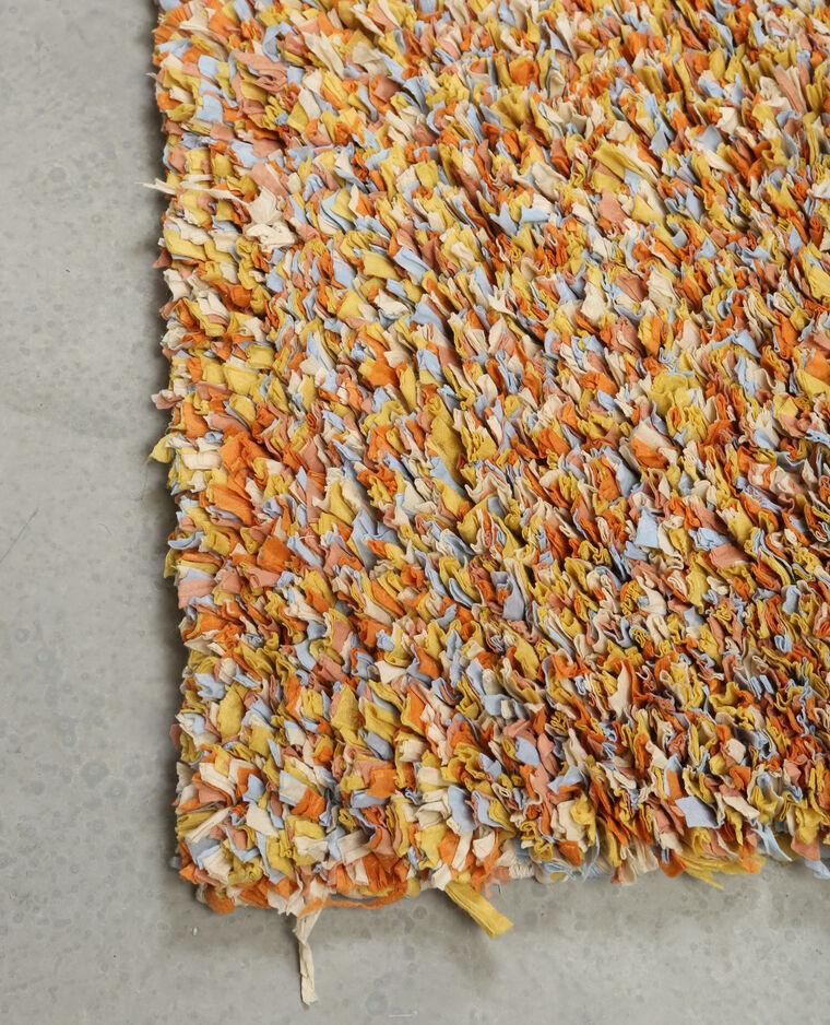 Tapis en tissu reliéfé blanc