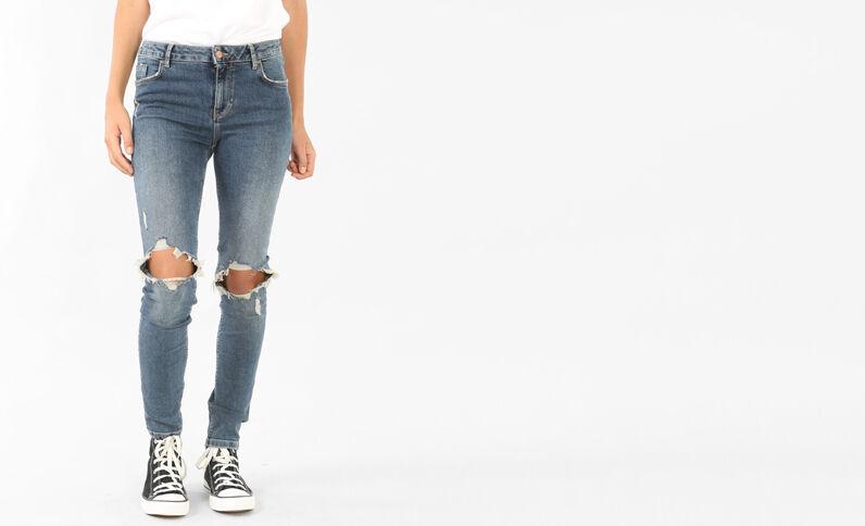 Destroyed-Jeans mit Push-up-Effekt Ausgewaschenes Blau