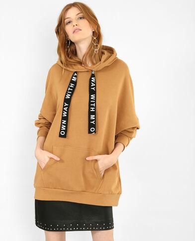 Felpa lunga con cappuccio cammello