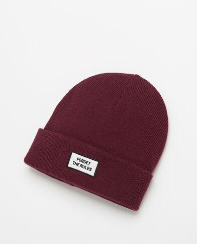 Mütze mit Aufschrift Granatrot