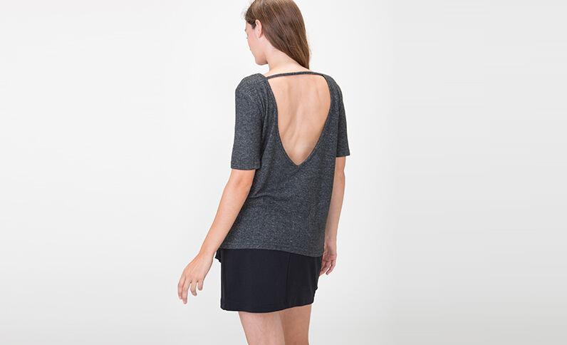 T-shirt à dos ouvert gris