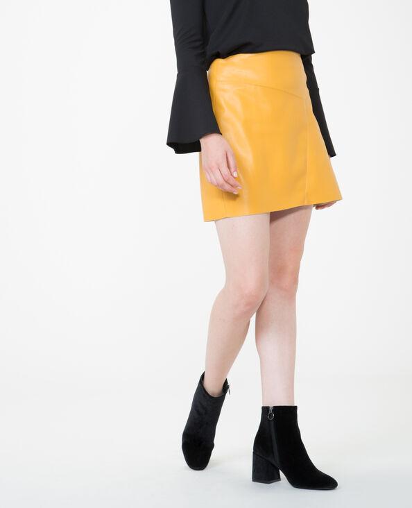 Jupe en simili cuir jaune moutarde