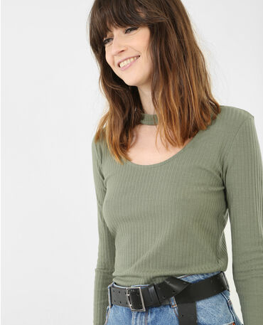 T-shirt con collo chocker verde