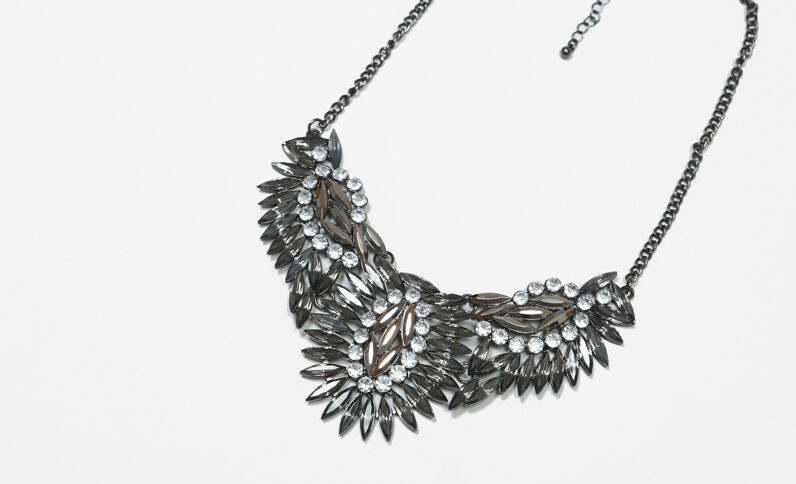 Plastron-Halskette Silberig