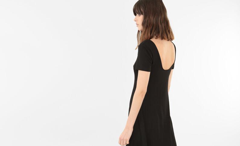 Robe trapèze dos rond noir