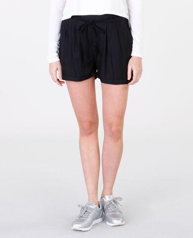 Soepel vallende short met riem zwart