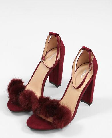 Sandalen mit Pompons Granatrot