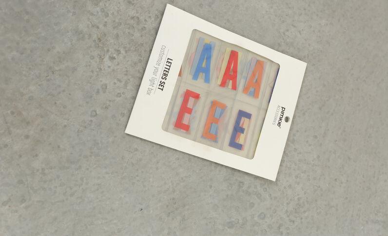 Farbige Buchstaben für Lightbox Orangebraun