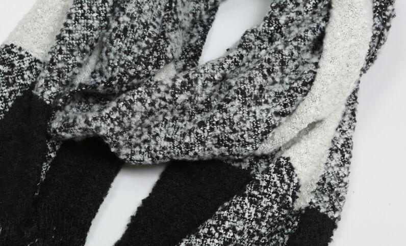 Echarpe bouclettes blanc cassé