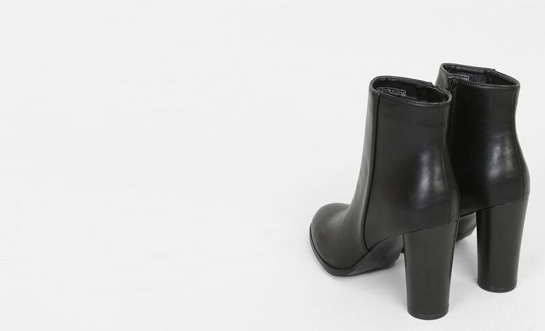 Boots con tacco rotondo nero