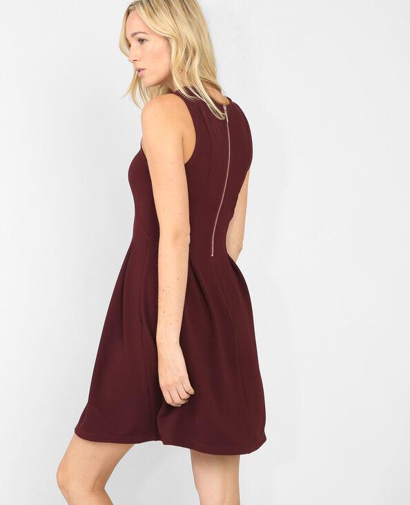 Skater-Kleid aus Jacquardstoff, ärmellos Granatrot