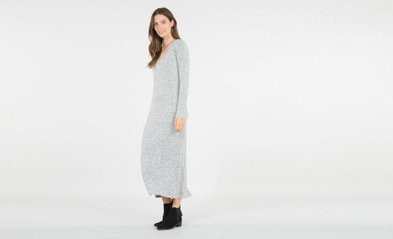 Vestido largo tipo jersey gris