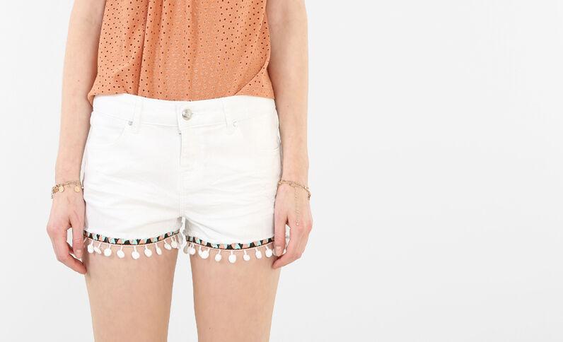 Shorts mit bestickter Borte und Troddeln Weiß