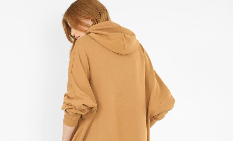 Lange sweater met kap camel