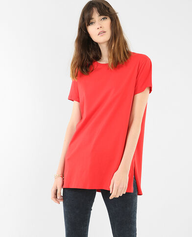 Einfaches, langes T-Shirt Rot