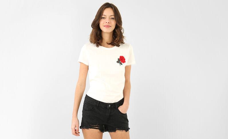 Camiseta bordado rosa blanco