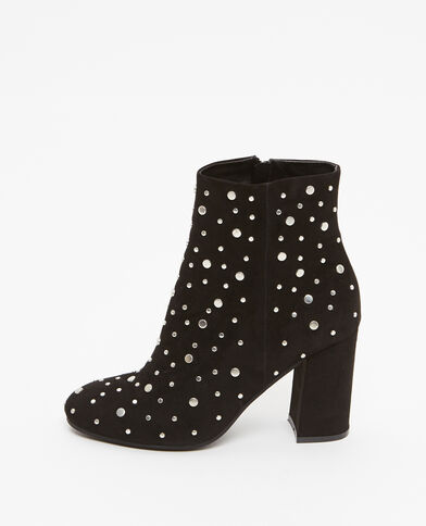 Botas con tachuelas negro