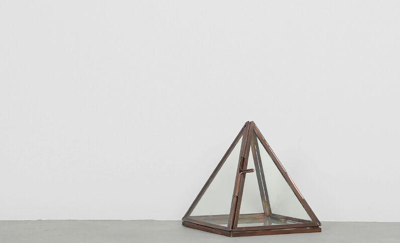Petit terrarium pyramide bronze