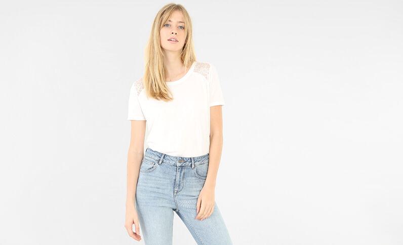 Basic T-shirt van kant gebroken wit