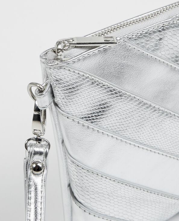 Clutch in Silber mit Zickzack-Motiv Silberig