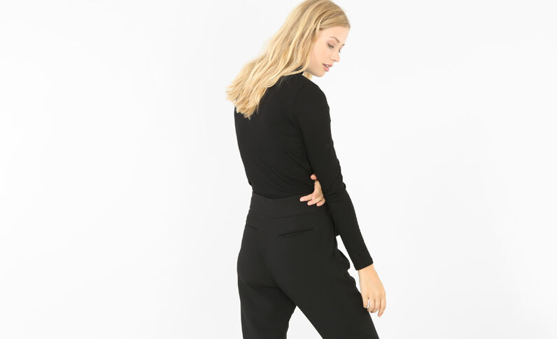 T-shirt côtelé col montant noir