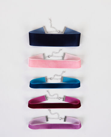 Lot de chokers velours rose
