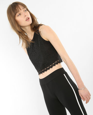 Camiseta de tirantes crop encaje negro