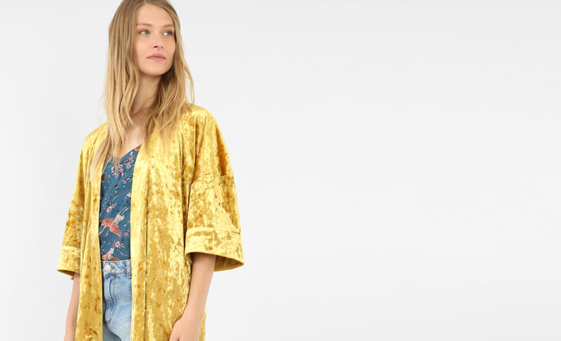 Kimonovest met fluweeleffect mosterdgeel