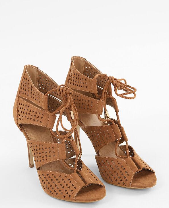 Sandalias con cordones marrón