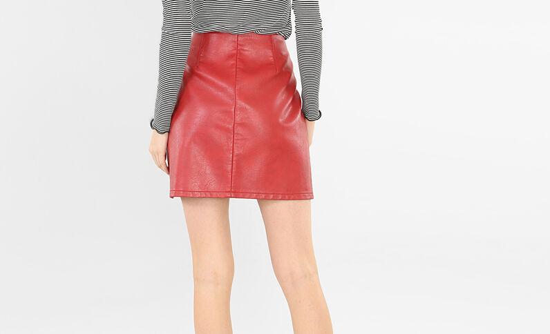 Falda de polipiel con cremallera rojo