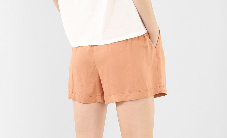 Short morbido con cintura marrone