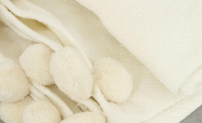 Plaid met kwastjes wit