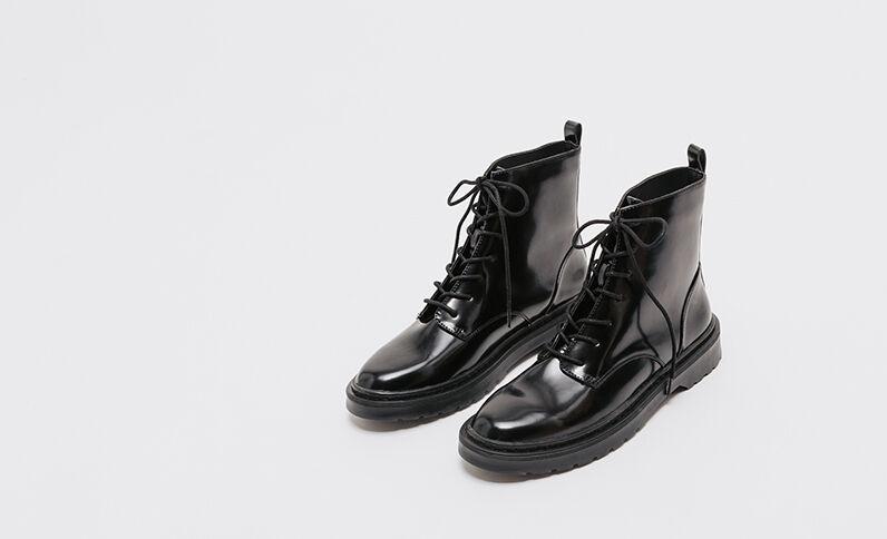 Zwartgelakte rangerlaarzen zwart
