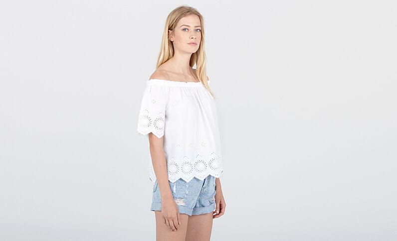 Beachwear blouse met borduursels ecru