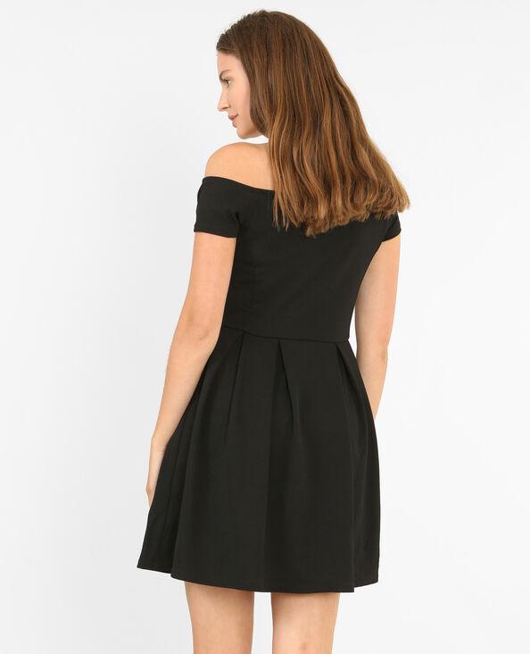 Vestido de patinadora con relieve negro