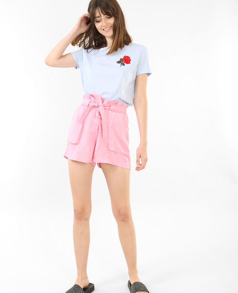 T-shirt broderie rose bleu ciel