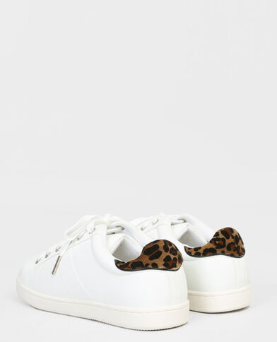 Zapatillas con leopardo blanco