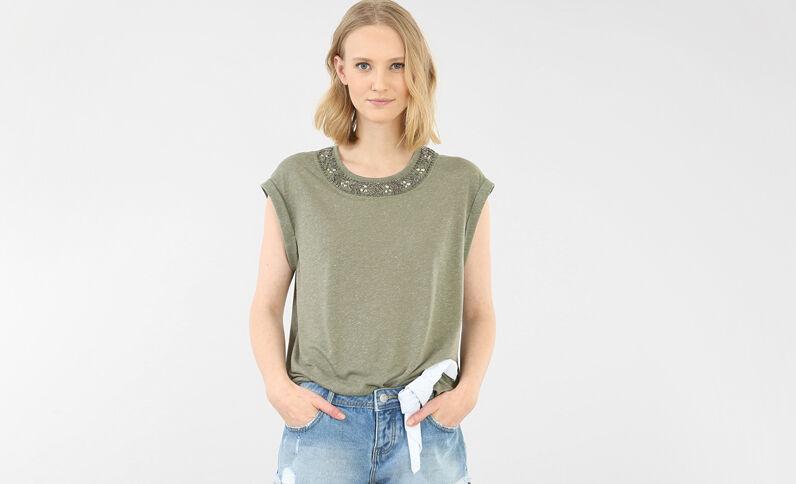 T-shirt scollo gioiello verde