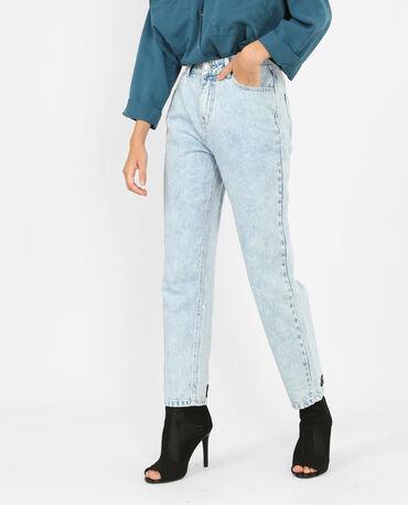 Jeans mum con mensaje azul claro
