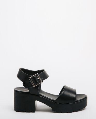 Sandali con suola tacchettata nero