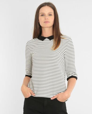 Camiseta con relieve y cuello de camisa marfil