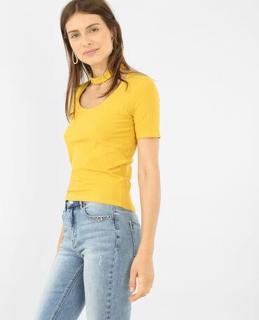 T-shirt col choker jaune moutarde