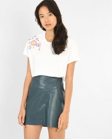 Camiseta con bordados blanco