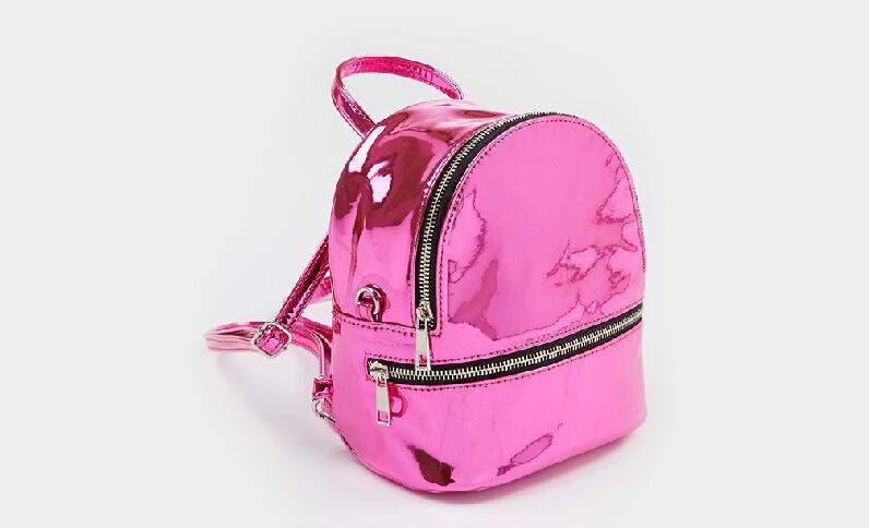 Mini sac à dos en vinyle rose