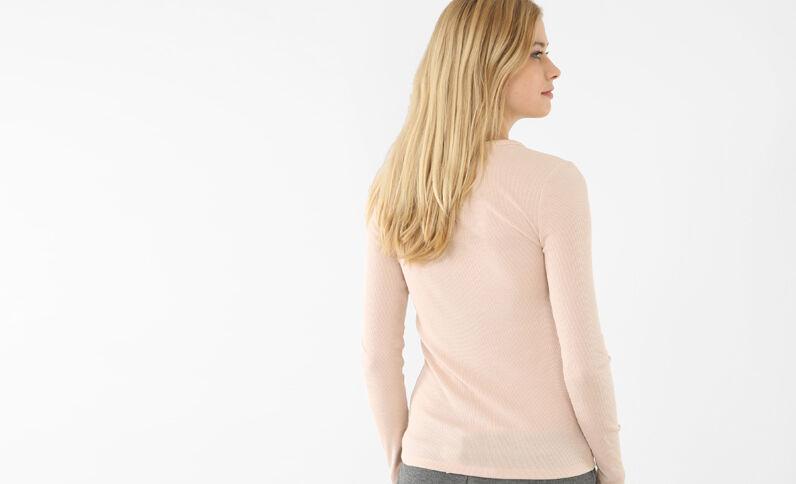 T-shirt boutonné rose pâle