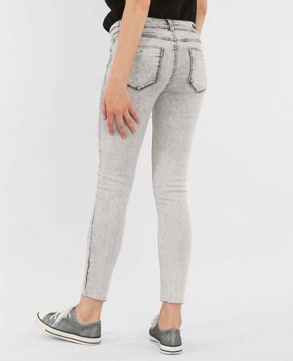 Skinny délavé gris