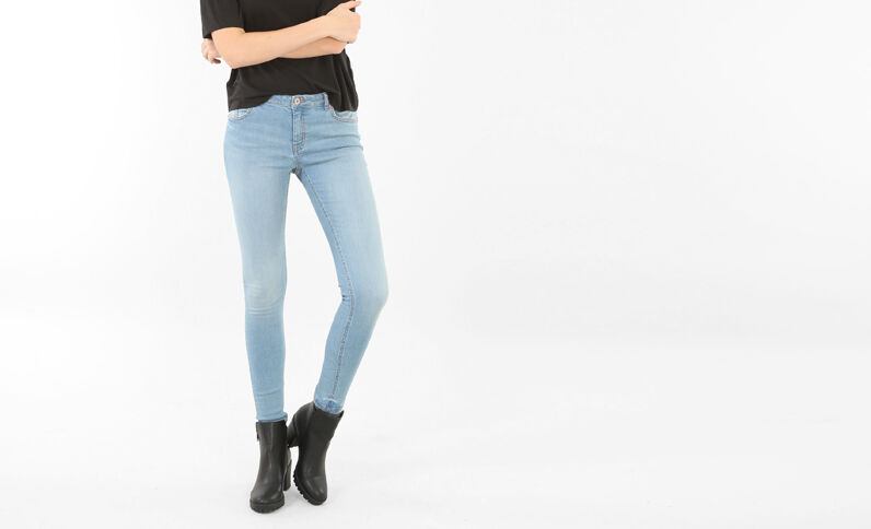 Skinny-Jeans mit mittlerer Taille Himmelblau