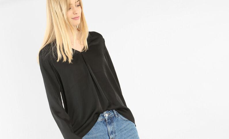 Blusa vaporosa satinada negro